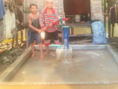 支援活動 カンボジアの井戸
